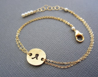 Initial disc Bracelet, hand stamped bracelet, gold disc bracelet, gift for her, personalized jewelry, dainty charm bracelet.