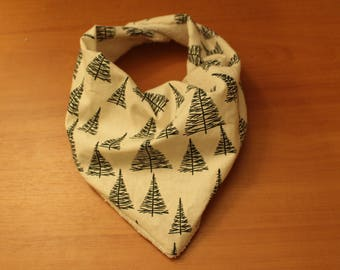 Baby Bandana Pleated Bib, 100% Cotton Terry Towelling with Big Pine Trees Pattern.