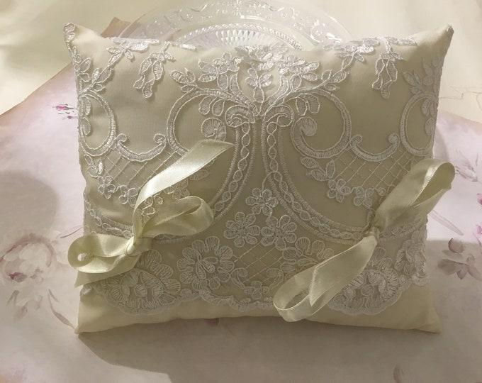 """Elen"" Wedding ring Cushion"