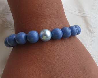Periwinkle, Lt Blue & Iridescent Dk Blue Pearl Beaded Bracelet