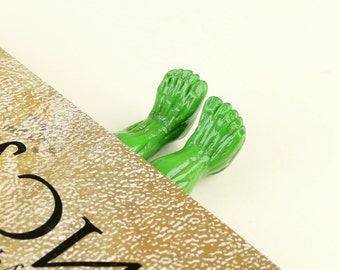 The Incredible Hulk,The Avengers,American superhero bookmark,Cute bookmarks,Funny bookmarks-Legs,Hulk, Superhero bookmarks