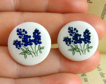 Deep Blue Flower Earrings, White and Blue Vintage Flower Pierced Earrings, Bellflower Earrings, With Flowers, Cutesy Small Flower Earrings