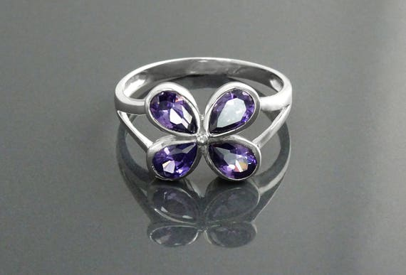 Modern Amethyst Ring, Sterling Silver, Lab Amethyst Simulant, Violet Flower Petal, Minimalist Stone Jewelry, Clover Ring, Woman Gift