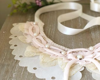 V i n t a g e  collar with pearls and ribbon ties