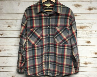 Vintage 80's 90's St. John's Bay Heavy Cotton flannel two pockets boyfriend grunge flannel gray and red Made in USA lumberjack - Large