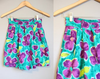 Floral Shorts High Waisted Vintage Green Rayon 1990s XS