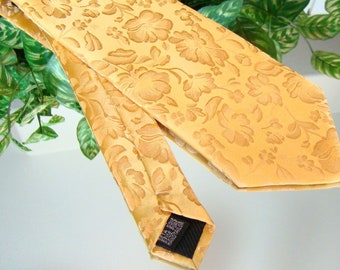 T.I.A. Classic Mens Silk Necktie - Shades of Yellow - Goldenrod
