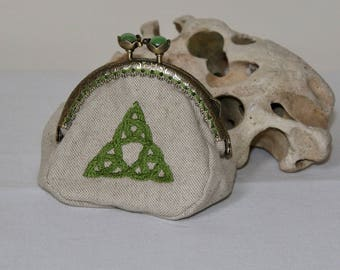 Retro purse with metal clasp antique beads, cotton canvas way linen embroidered with a Trinity