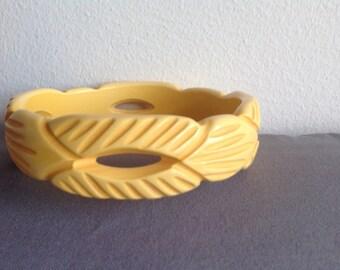 Vintage carved Bakelite  butterscotch bangle bracelet