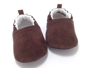 Brown Baby Shoes, soft sole baby shoes, corduroy Baby Booties, gender neutral baby gift, Toddler slippers, Baby Shower Gift, gift for baby
