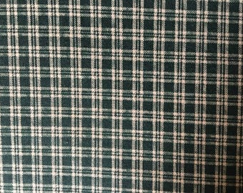 Y5HU, (2 1/4 Yards)  P & B Textiles Mini Plaid, Hunter Green, Vintage Quilting Fabric