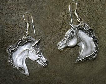 Horse earrings, Arabian
