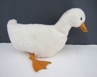 The Velvet Stable 1982 White Duck Puppet