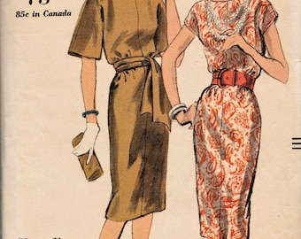 Very Easy Vogue 9950 / Vintage 60s Sewing Pattern / Dress / Size 14 Bust 34