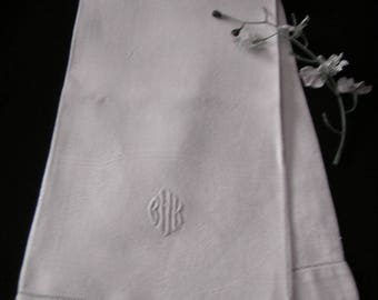 Monogrammed hand guest towel, Vintage, Damask,  bath accessories, c. 1950, Gift. Bridal