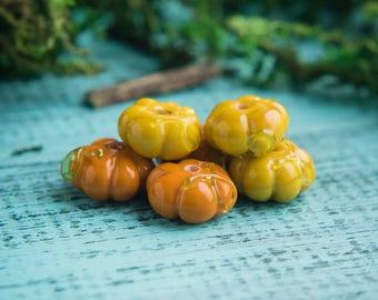 Yellow pumpkin_artisan glass_plant vegetable_Jack-o-Lantern_Halloween_13 mm bead_green yellow_mustard_multipurpose DIY kit_gardening gift