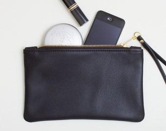 Black Leather Wristlet, Everyday Zipper Clutch, Leather Zipper Pouch, Black Leather Zipper Wallet, Minimal Wristlet, Cell Phone Wristlet