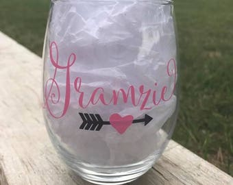 Gramzie, Glamma, Glamzie, Grandma Wine Glass, Grams, Personalized Wine Glass, Grandmother glass, Not your ordinary Grandma, Mimi, Nana