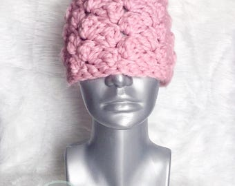 Chunky Pink Crochet Hat, Crochet Beanie with Faux Fur Pom, Winter Hat with Pompom, Pink and Cream Ski Cap,  Textured Crochet Hat