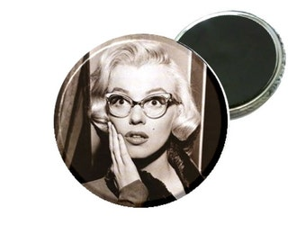 "Magnet - Marilyn Monroe with glasses 2.25"" Image"