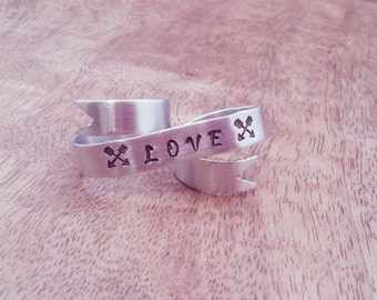 LOVE Banner Ring // Silver Two Finger Ring // Modern Double Ring