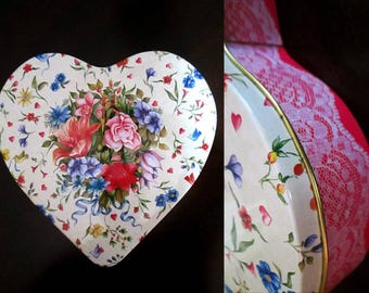 The Tinsmith's Craft Valentine Heart Vintage Tin // 1992 Andrea Remmenn Artwork