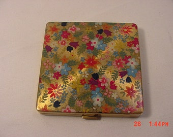 Vintage Vogue Vanitie Floral Enamel On Gilt  Powder Mirror Compact  18 - 785