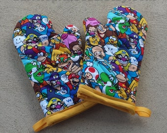 Super Mario Oven Mitts and Pot Holders - Nerdy House Warming Gift - Mario Wedding Gift - Nerdy Wedding Gift - Retro Oven Mitts