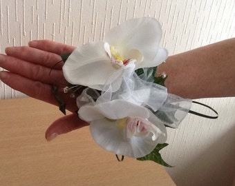Orchid wrist corsage in white (phalaenopsis orchid)
