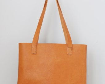 The Pike Leather Tote in Amber