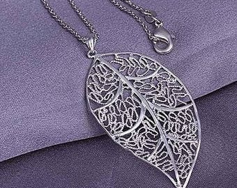 Beautiful pendant - leaf motif - silver plated