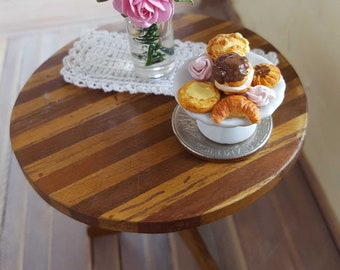 "Pastries display | Dollhouse miniature pastries | Miniature food | 1 "" - 1: 12 scale"