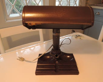 Desk Lamp, Bakelite, Brown with pen/pencil tray, table lamp, student lamp, Industrial, Banker's lamp, Library lamp, Working cond. Vintage