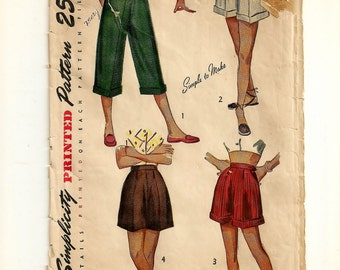 """A Pleated Pedal Pushers & Shorts Pattern w/Cuff and Belt Carrier Variations: Uncut - Retro Teen Size 10 Waist 24"""" Hips 31"""" • Simplicity 2836"""