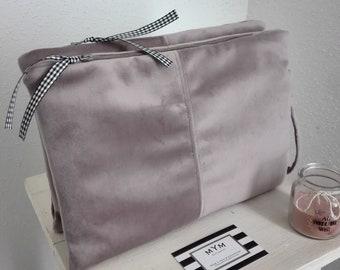 Leonie dusky pink velvet pouch