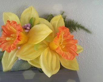 Daffodil pinup, retro, hair flower