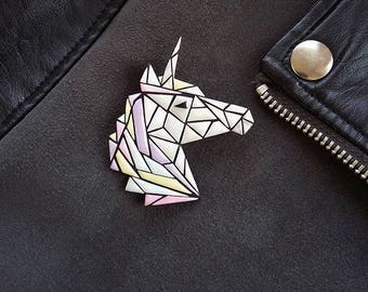 polymer clay unicorn brooch, polymer clay unicorn jewelry, multicolor unicorn, unicorn jewelry, unicorn accessories, unicorn lover, brooch