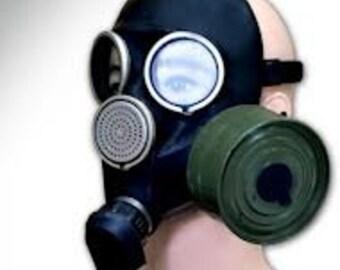Gas Mask ... Cyber Mask ... Halloween ... Vintage Soviet Army Gas Mask GP-7 ... Military ... Gothik ... USSR ... Russian ... punk
