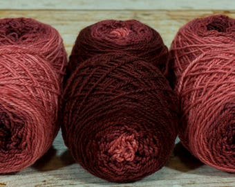 "Shorty Sock Twins "" Griffin Red "" - Lleap Handpainted Semisolid Gradient Sock Yarn"