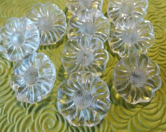 Glass Flower Vintage Buttons - 6 Clear Glass in YOUR CHOICE of 7/8 or 3/4 inch 22mm or 19mm for Jewelry Beads Sewing Knitting