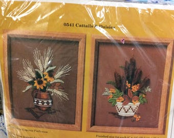 Creative Circle Cattails and Daisies  Crewel Embroidery  Kit Art. No. 0541