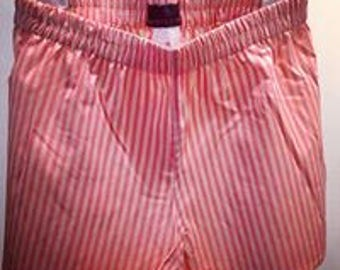 Pink Boxer shorts of gestreiftfor girls in action