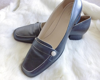 Vintage leather shoes/loafers/ flats minimalist women's size 8.5