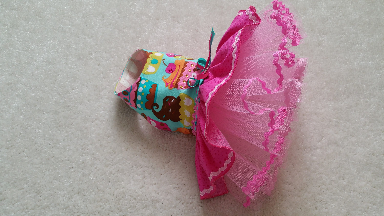 Pequeño perro vestido de cumpleaños Magdalena Chihuahua ropa T