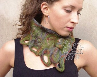 Green felt neckwarmer scarf merino fairy boho style fashion bohemian clothing fringes fiber art feminine