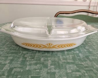 Vintage Pyrex 1 1/2 Quart Royal Wheat #22 Divided Casserole Baking Dish With Lid