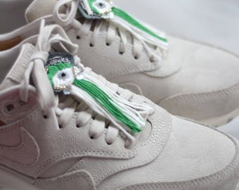 Green eye for sneakers
