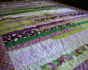 Easter Quilt / Easter Blanket / Spring Quilt / Spring Blanket / Purple Quilt / Twin Quilt / Twin Blanket / Twin Size Quilt / Purple Blanket