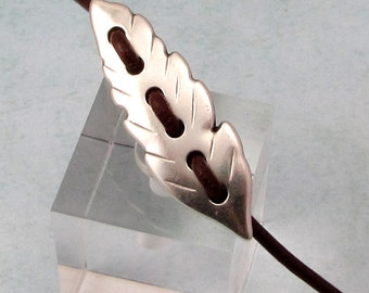 Feather Focal for Leather, Antique Silver AS413