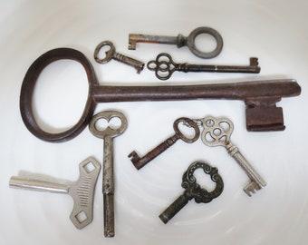 Vintage Keys Skeleton Clock Antique Mix Assortment (9)